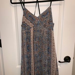 Size M Blue patterned dress
